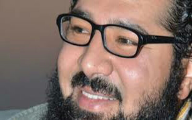 """""""مايحيرني دائما """"قصيدة للشاعر أحمد عايد ."""