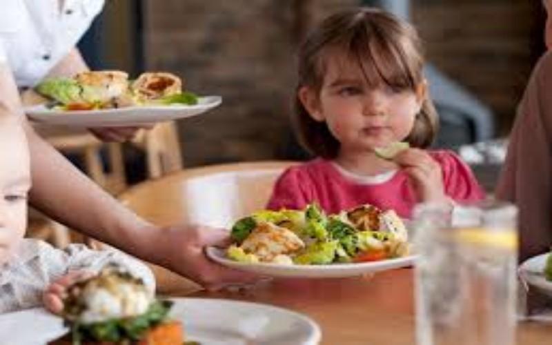 نصائح تجعل طفلك لا يرفض الطعام ابدا.التنوير_eltanwer