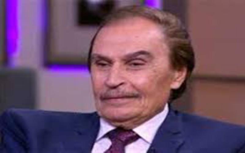 وفاة الفنان عزت العلايلي عن عمر يناهز 86 عام
